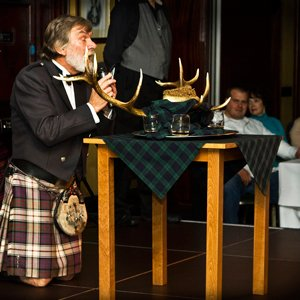 Scottish Evening with Bagpipers and the Ceremony of the Haggis with Globus