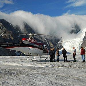 Alaska-excursion-Denali-glacier-landing-helicopter-Globus