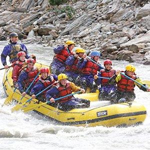 Alaska-excursion-Denali-rafting-Nananna-River-Globus