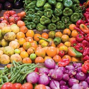 Ecuador-farmers-market-Cosmos